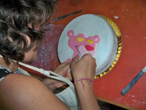 cake decorating in progress (2)