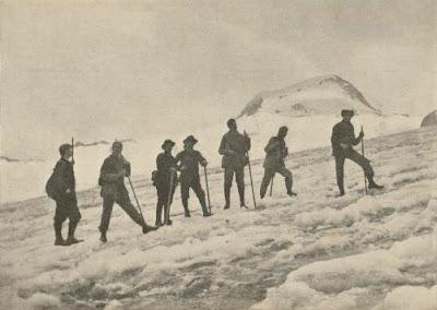 Achile Ratti in Montagna (al centro)