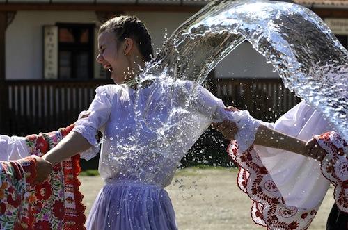 pb-110421-watering-girls-02.photoblog900.jpeg