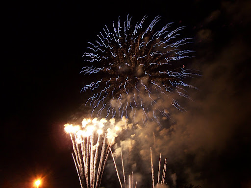 One of only a few decent fireworks pictures - the right equipment really does make a difference.