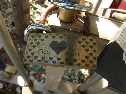 blog, Budapest, Erzsébet tér, Magyarország, lakat, lakatok, lock, padlocks, szerelem, turista, turistalátványosság, V. kerület,   Belváros