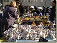 uzes market_1_1_1