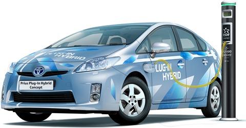 2010-toyota-prius-plug-in-1