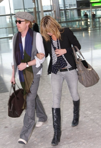 kate moss heathrow 2 290308
