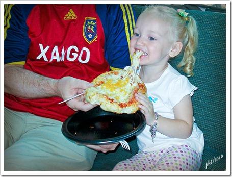P1010440-Kaylin-eating-pizza-at-hospital