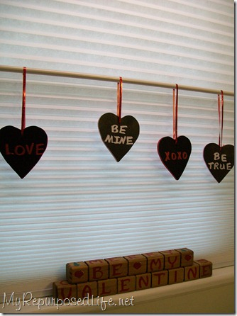 wooden hearts painted with chalkboard paint