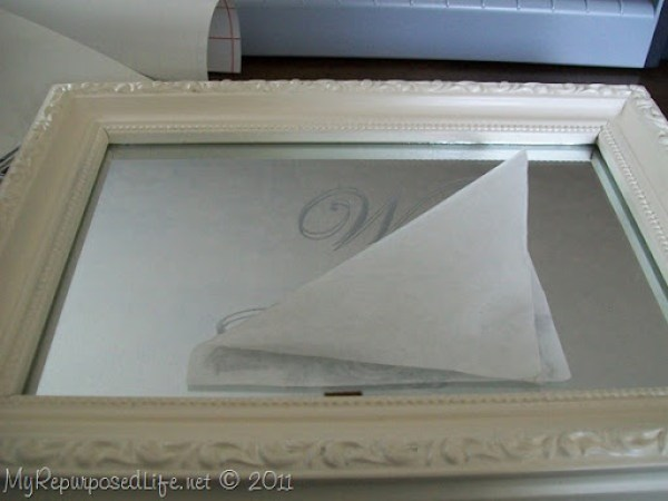 apply frosted vinyl to small mirror