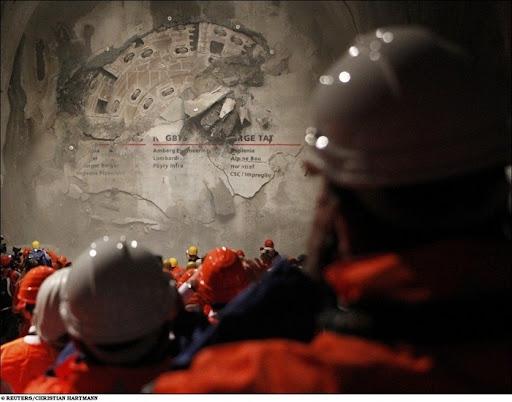 longest-rail-tunnel (6)