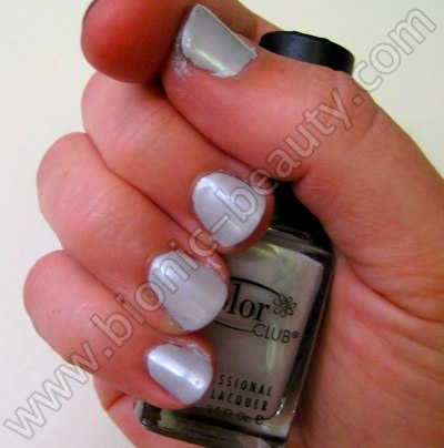 Bionic Beauty review and swatch - Color Club's Pretty in Platinum nail polish