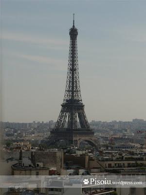 Turul Eiffel vazut din Arcul de Triumf