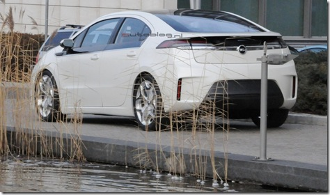 Opel_Ampera_spyshot1