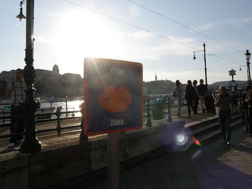 Budapest,  blog, kiállítás, Dunakorzó,  V. kerület,  belváros, csók zóna, hatalmi játszmák, power games
