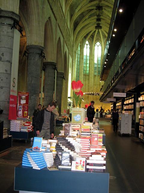 חנות הספרים בכנסיה - מאסטריכט
