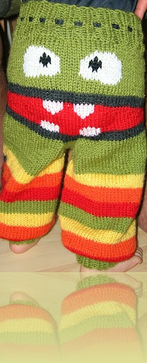 Grumpy Bum Monster Pants - Free Knitting Pattern --- http://thewanderinglady.blogspot.com.au/2010/03/monster-longies-pattern.html