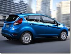Ford-Fiesta_2011_800x600_wallpaper_06