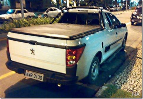 Peugeot-207-picakup-2010-flagra-bruno