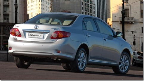 Toyota Corolla Altis 2011 (3)