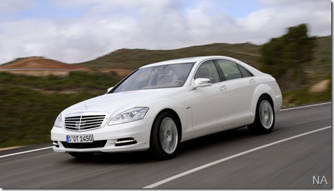 Mercedes-Benz-S400_BlueHYBRID_2010_800x600_wallpaper_04