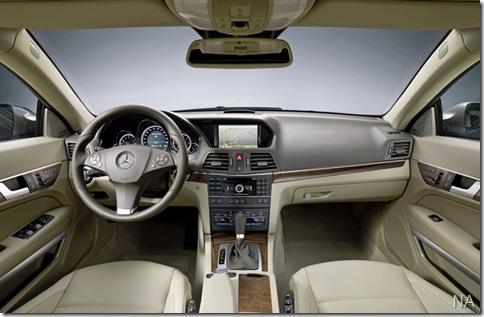 Mercedes-Benz-E-Class_Coupe_2010_800x600_wallpaper_67