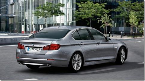 BMW-5-Series_2011_800x600_wallpaper_12