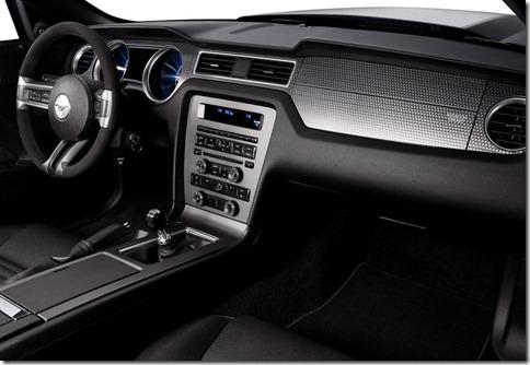 Ford-Mustang_Boss_302_2012_800x600_wallpaper_0c