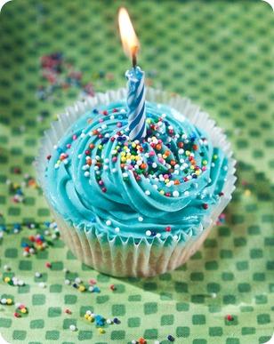 vegan-gluten-free-cupcake-candle