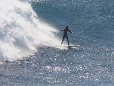 Surfista:Douglas Cardoso, Fotografo:Kim Miranda, Pico:Punta de Lobos:Chile