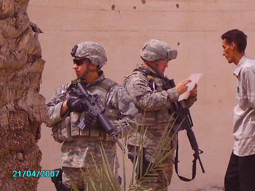 عکسهای یادگاری سرباز آمریکایی در عراق