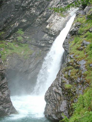 Waterfall at the top of the Baisse