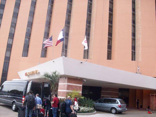 IVLP 2010 - Flight to Houston, Visit To Lakewood - 100_0608.JPG