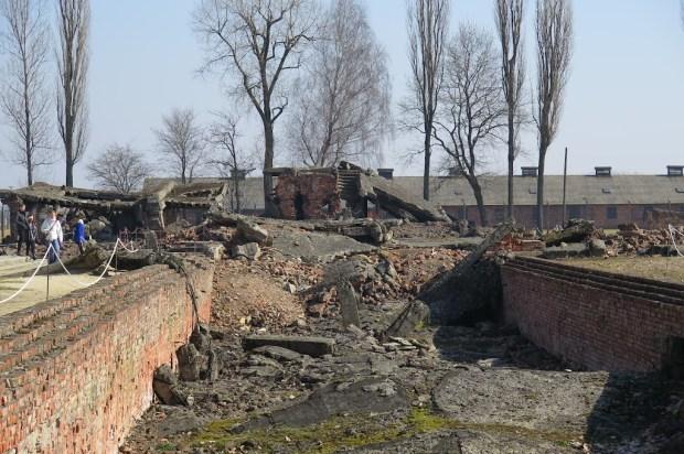 Die Überreste von Gaskammer und Krematorium II