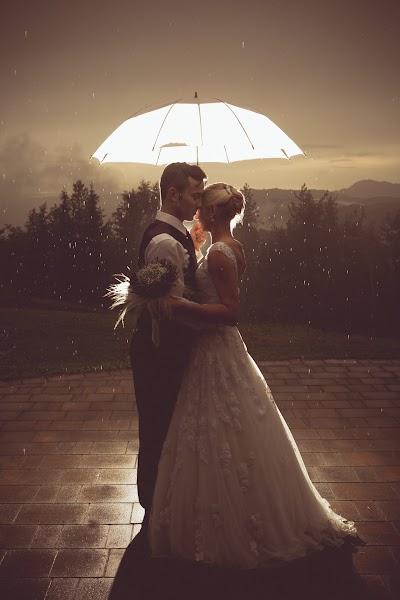 bride-groom-slovenia- nevesta-poroka-fotografiranje-poroke-bled-slovenia- slikanje poroke-fotograf za poroko- hochzeitsfotograf,hochzeitsfotos, hochzeit.com-4709.jpg