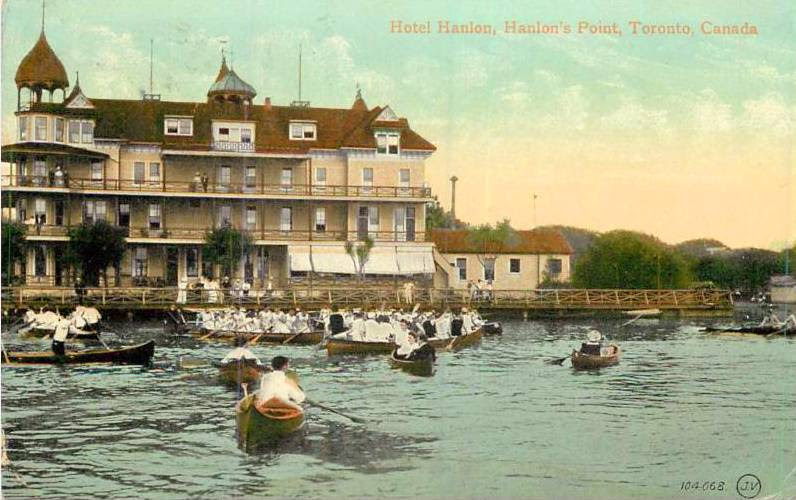 postcard-toronto-island-hanlans-point-hotel-hanlon-many-canoes-people-on-dock-hanlons-point-1909