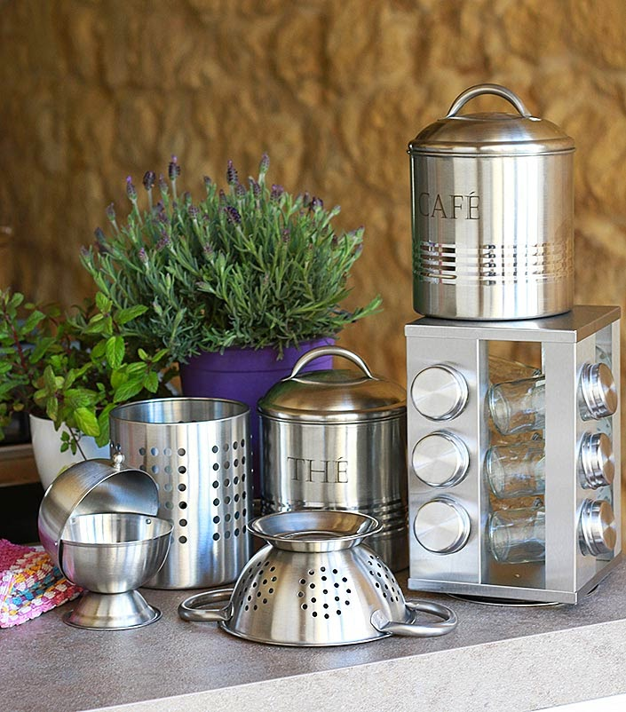 my kitchen and decor tips, kitchen decor and design, how to organize a rental kitchen, practical storage in the kitchen, giveaway kitchen decor homy