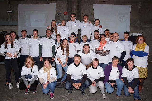 vrijwilligers die meewerkten aan het Urban footvolley tornooi in Roeselare
