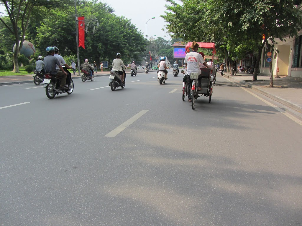 0013Pedicab_Ride_in_Hanoi
