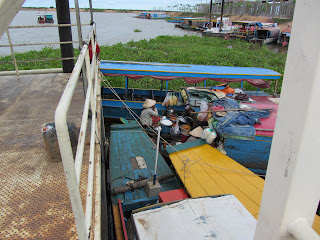 0005Tonle_Sap_Lake_Floating_Village