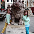 A pair of lions outside the Basilica.