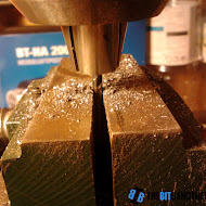 holding_the_drill_in_place_using_vise.jpg