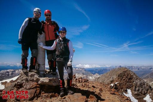 En la cima del Pique Longe, 3298 metros.© aunpasodelacima.com