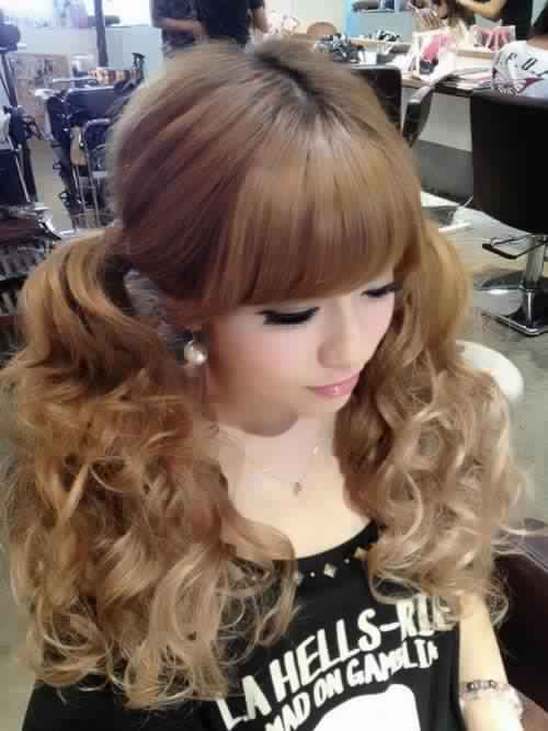 Adorable Curly Ponytail Hairstyle