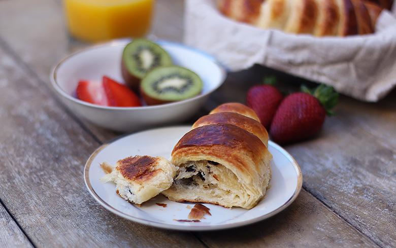 Recette facile de délicieux croissants pur beurre.