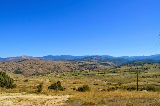 Поглед од манастирот Св. Атанасиј, Старавина