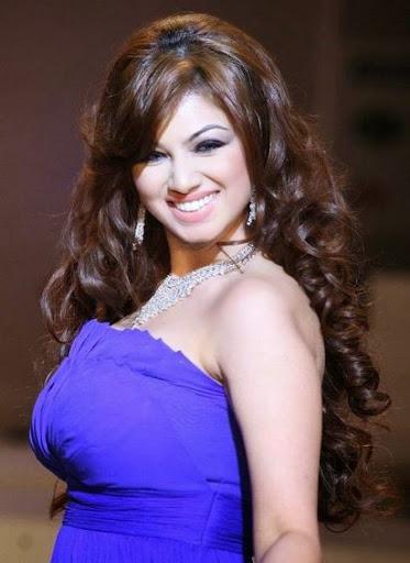 Ayesha Takia Body Size