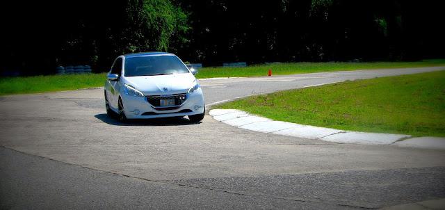 Peugeot%2520208%2520XY%2520GTI%252812-03-2014%2529_6993.JPG