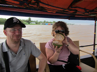 0086A_Day_on_the_Mekong