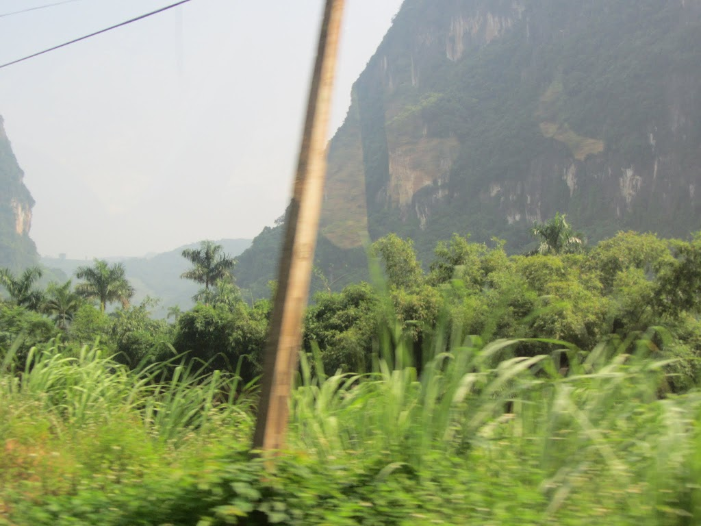0020The_Road_to_Mai_Chau