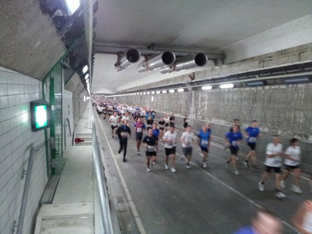 Snelle lopers in de IJ tunnel