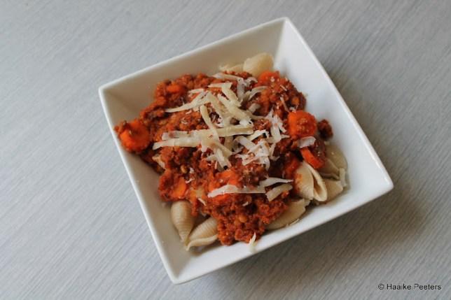 Pikante pasta met linzen (Minimalist baker)