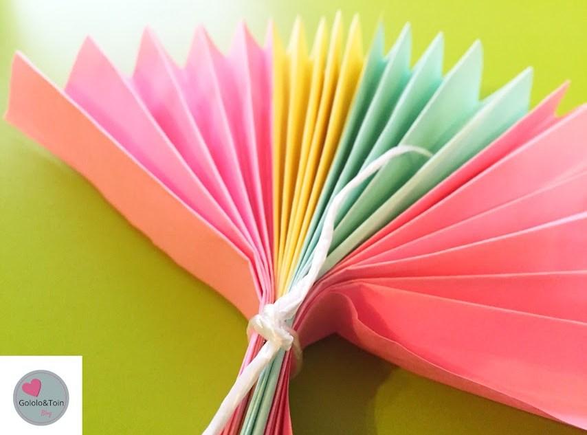 manualidades-niños-diy-faciles-verano-abanico-folio-colores-palos-helado
